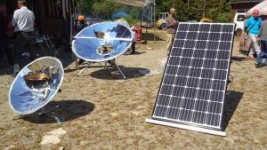 ソーラクッカーと太陽光パネル